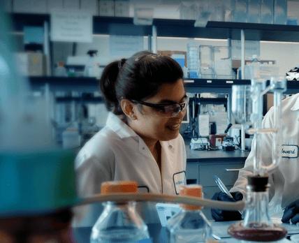 Партнер AstraZeneca признался в подтасовке данных по препарату от анемии