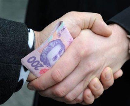 """Чиновники КГГА и частные предприятия вывели в """"тень"""" 15 млн грн при закупке комплектов для гемодиализа"""