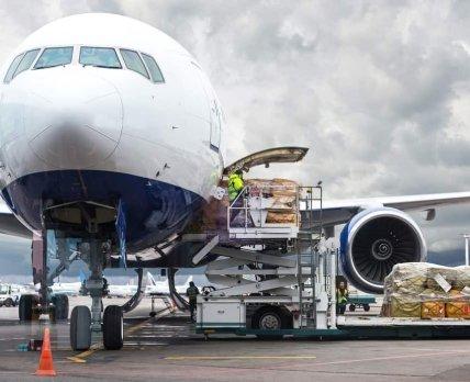 Крупные авиакомпании помогут ЮНИСЕФ с доставкой вакцины от COVID-19 по миру