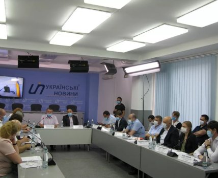 АПАУ выступила за цивилизованное и постепенное внедрение дистанционной доставки лекарств в Украине