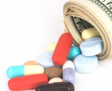 Почему закупки лекарств отстают на год и кто в этом виноват