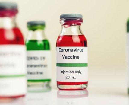 Дослідження: пропускати другу дозу вакцини проти COVID-19 категорично заборонено!
