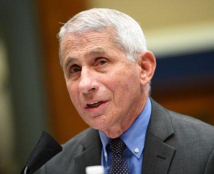 Главный инфекционист Америки пообещал однократную вакцину от COVID-19 уже через пару недель