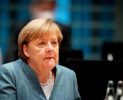 Ангела Меркель допустила возможность производства российской вакцины против коронавируса в Германии