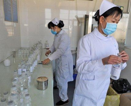 Китайцы тестируют дуплет от ВИЧ против коронавируса