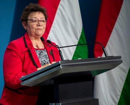 Венгрия одобрила применение индийской вакцины Covishield