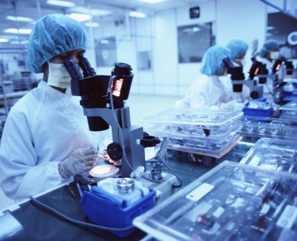 Немецкие ученые изучили вакцины от COVID-19 и пока не могут дать однозначную оценку их эффективности: не хватает данных