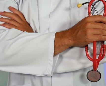 Жизнь или вакцина: непривитой от «короны» женщине отказали в пересадке почки