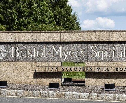 Эксперты обвинили Bristol Myers Squibb в задержках с утверждением Breyanzi