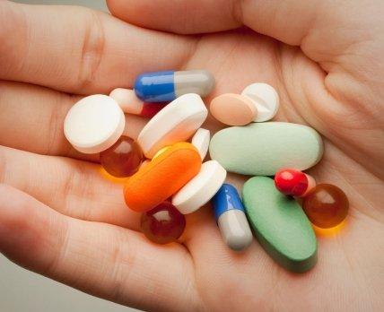 «Веселые» пилюли: зачем фармпроизводители раскрашивают таблетки в разные цвета?