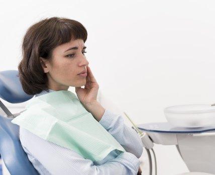 ТОП-7 важливих аспектів ефективної фармацевтичної допомоги під час симптоматичного лікування зубного болю /freepik