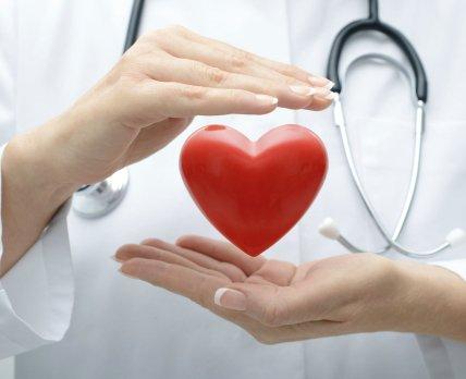 Приём антигипертензивных препаратов на ночь почти вдвое снижает риски сердечно-сосудистых событий