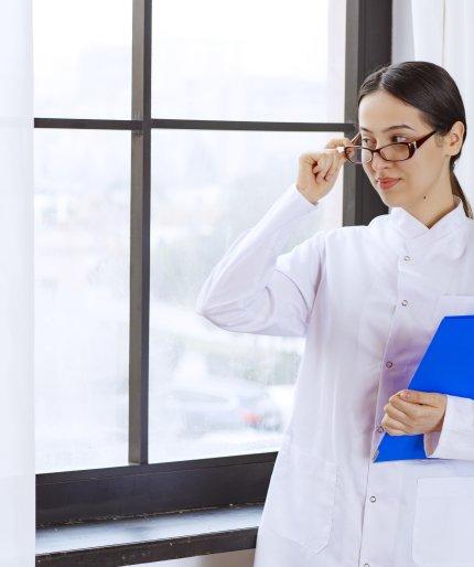 Огляд ринку праці фармацевтів: очікування кандидатів та вимоги роботодавців /freepik